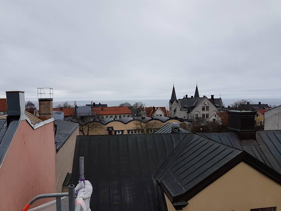Taket på Skölden 18 börjar ta form. Den som kommer köpa lägenheten högst upp k... 4