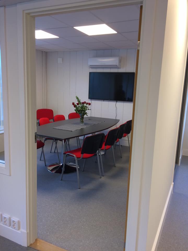 Hoppas ni tittar in till oss idag och se hur det nya kontoret ser ut. Vi finns... 3