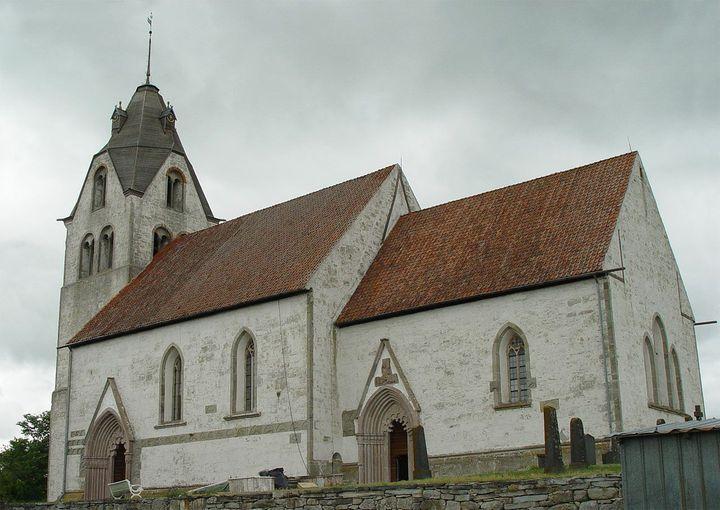 Gotlandsbyggen har fått i uppdrag att restaurera Grötlingbo Kyrka utvändigt. A... 1