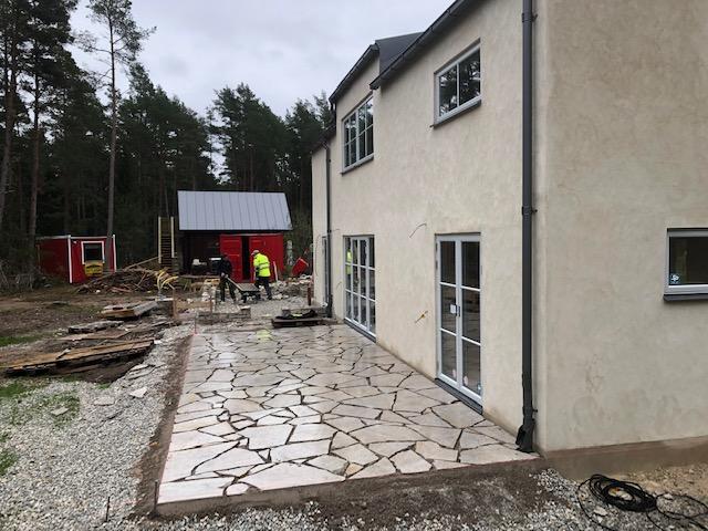 Huset i Gammelgarn går in i slutskedet och kan inom kort lämnas över till nöjd... 1