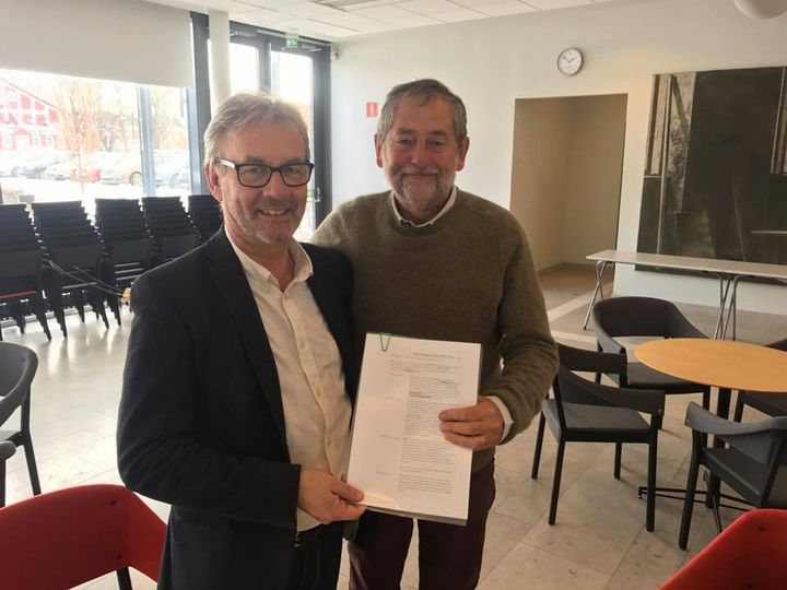 Idag skrev vi på markanvisningsavtalet som ger oss möjlighet att bygga våra ar... 1