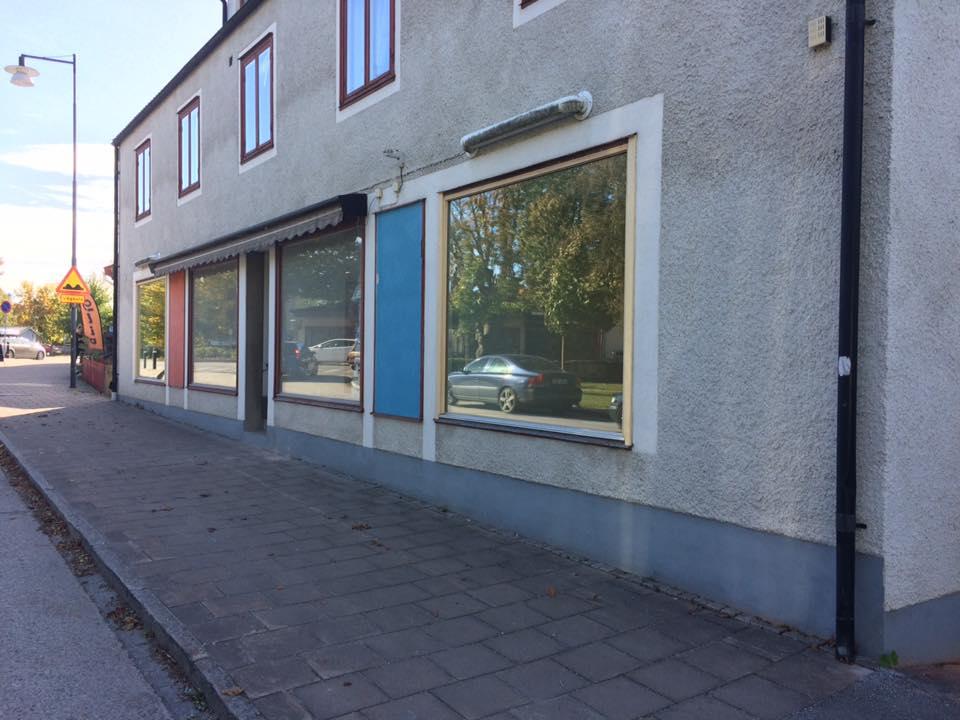 Nya kontoret är snart klart. Möblerna kommer på måndag. Ni är välkomna in på o... 1